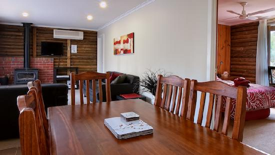 Southern Grampians Cottages: Spacious living areas