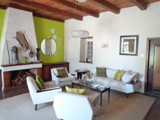 Rothman Manor: Lounge