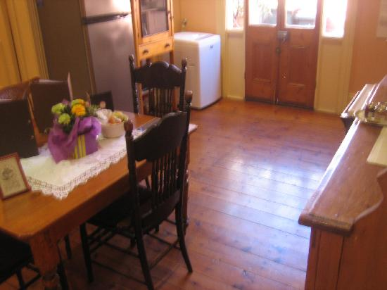 Chapel Cottage: Kitchen 2