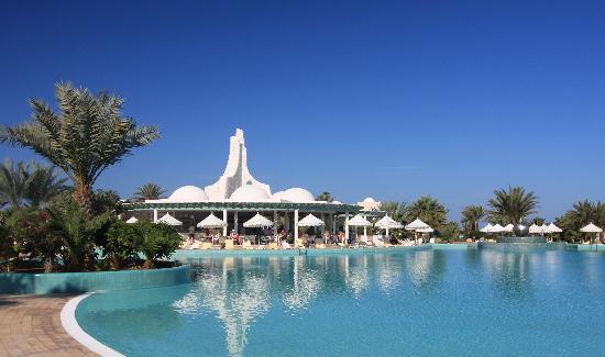 Hotel Palace Royal Garden: Pool bar/snacks