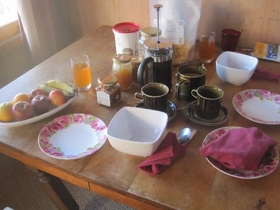 Samhitakasha Cob House Organic B&B: Organic Breakfast