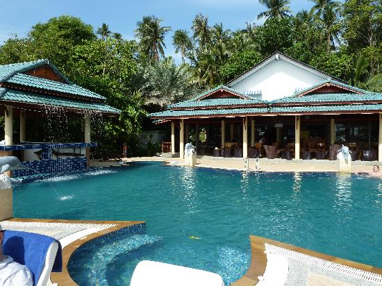 Haad Tian Beach Resort Koh Phangan: Pool mit Restaurant