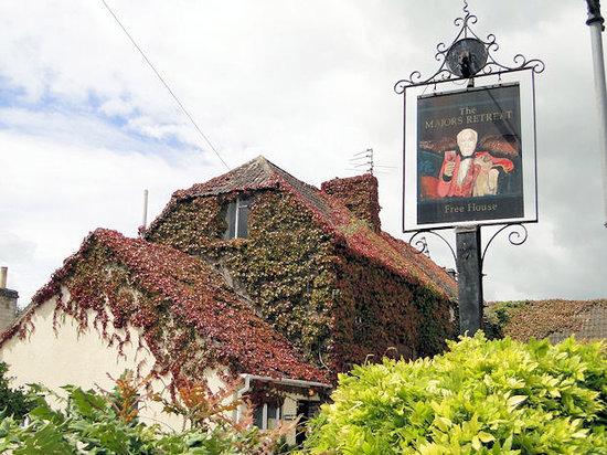 Major's Retreat: Major Retreat Pub Sign, Tormarton, Gloucestershire