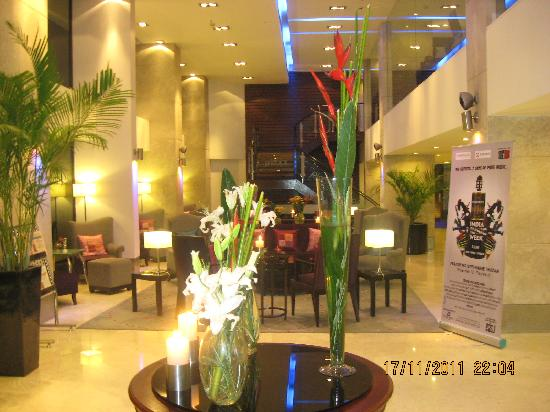 Royal Orchid Central: The lobby