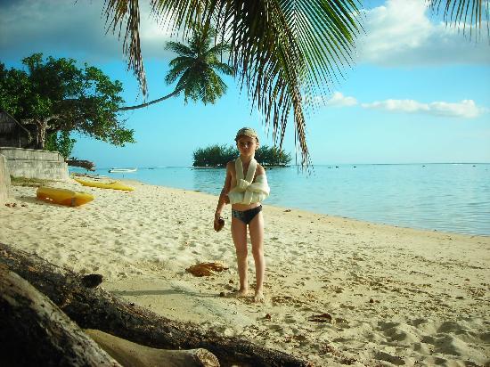 Tapu Lodge: plage d'a coté