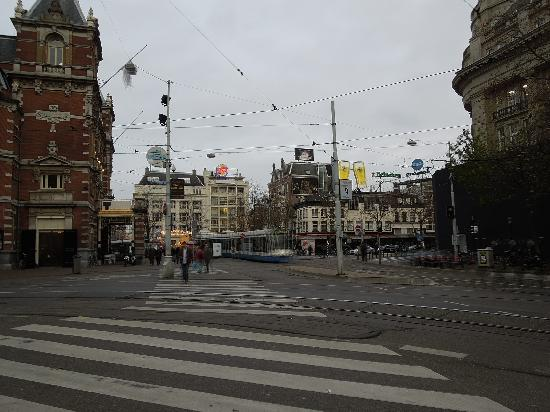 Hotel de Paris Amsterdam: Leidsplein square near the hotel