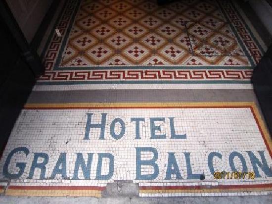 Le Grand Balcon: 入り口