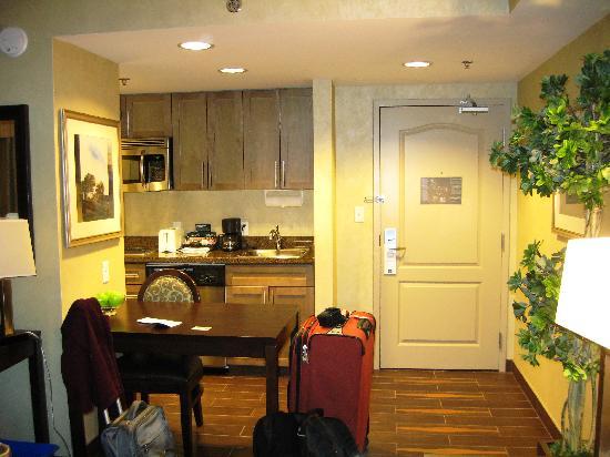 Homewood Suites by Hilton Toronto-Markham: Jacuzzi Suite entrance