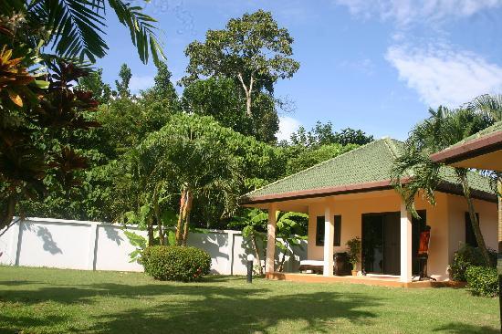 Phuket Lotus Lodge: Peaceful, surrounded by nature