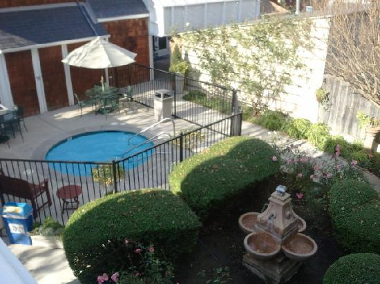 BEST WESTERN PLUS Elm House Inn: from the tiny patio at top of stairs