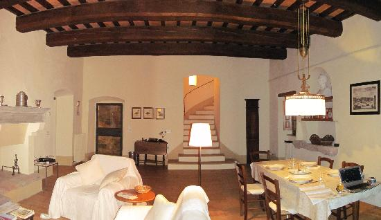 Castello di Montegiove: Living room of apartment