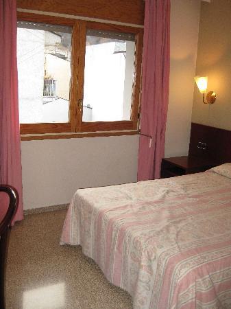 Hotel & Aparthotel Cosmos : Bedroom