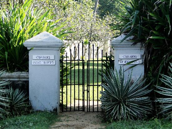 Casa Siena: Gate to the beach