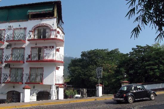 Encino Hotel Great Location
