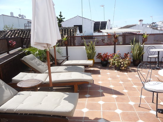 La Villa Marbella: Top lounging area