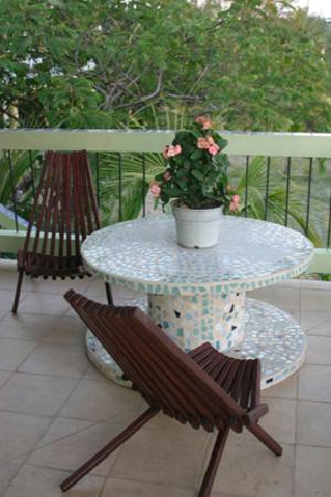 Casa Placencia Belize: Our own private balcony table
