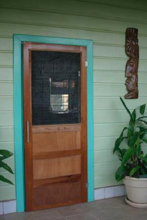 Casa Placencia Belize: Our front door...so cheerful!