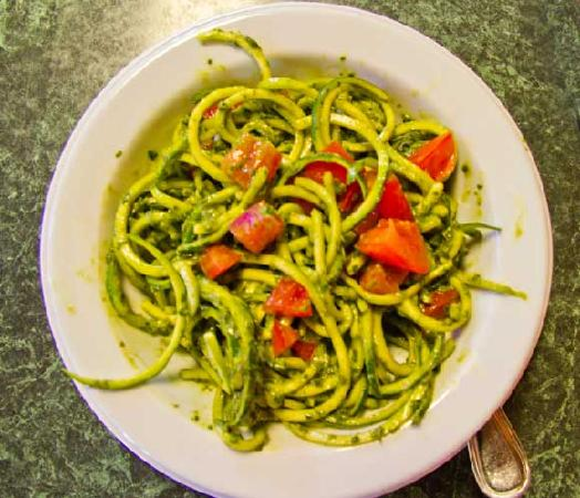 Super 8 Fort Bragg: Join the Raw Foodies at Living Light for a delicious meal of zucchini pasta with basil pesto sau