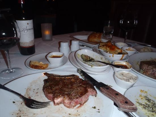 Fleming's Prime Steakhouse & Wine Bar: Steak and sides