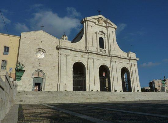 Santuario e Basilica di Bonaria Bild