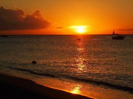 The Mill Resort & Suites Aruba: Sunset