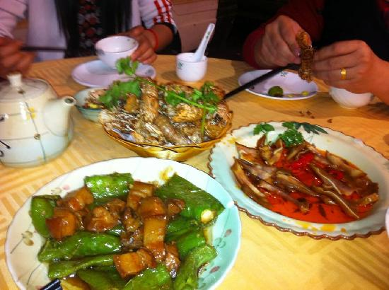 7 Days Inn Shenzhen Dongmen Walking Street: ;)