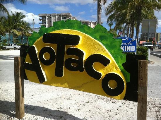 Yo Taco: sign
