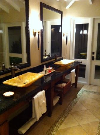 Jumby Bay Island: bathroom
