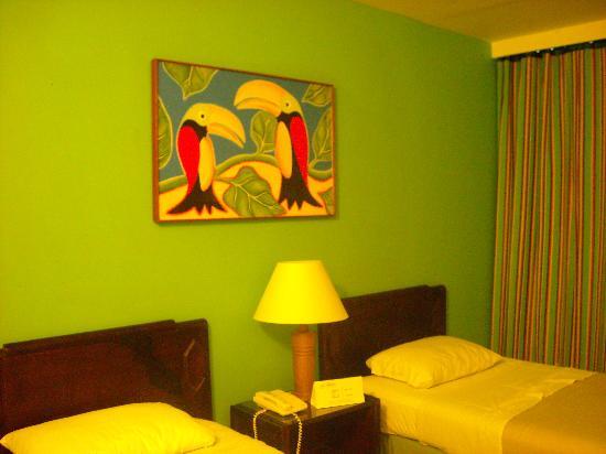Decameron Cartagena: Primera habitación, pedimos matrimonial, pero nos toco esta
