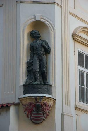 Small statue in Ungelt Square