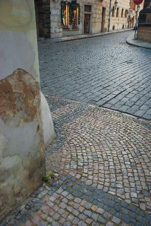 Ungelt Square: Cobblestones