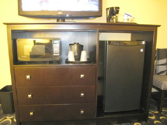 Holiday Inn Express & Suites Las Cruces North: Everything you need - fridge, microwave, coffee maker