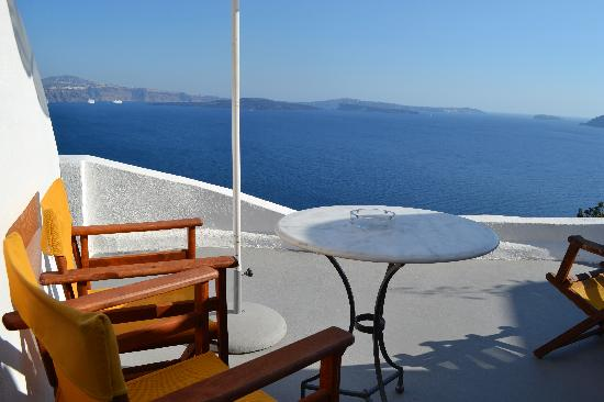Old Oia Houses: Great spot for breakfast!