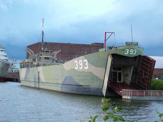 USS LST 393 Photo