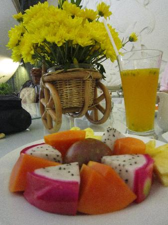 Spring Hotel: Very few Vietnamese hotels, even the 5 star places, don't offer Vietnam's delicious  local fruit