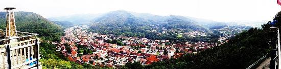 Revita: Panoramafoto vom Hausberg