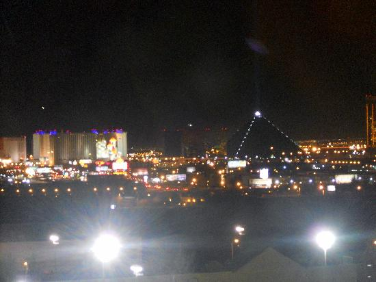 The Orleans Hotel & Casino: Our room had a view of the Strip