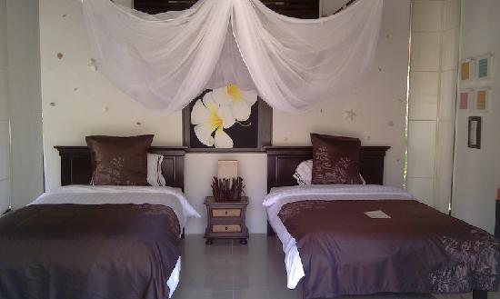Dhevan Dara Resort & Spa Hotel: Bed room