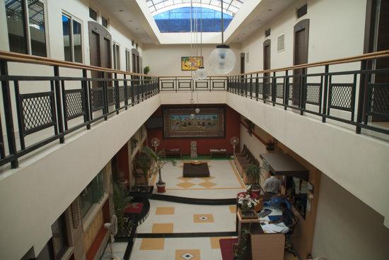 Shiv Hotel: Main hall