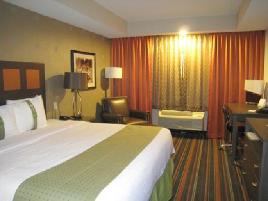 Holiday Inn Amarillo West Medical Center : great room - new!