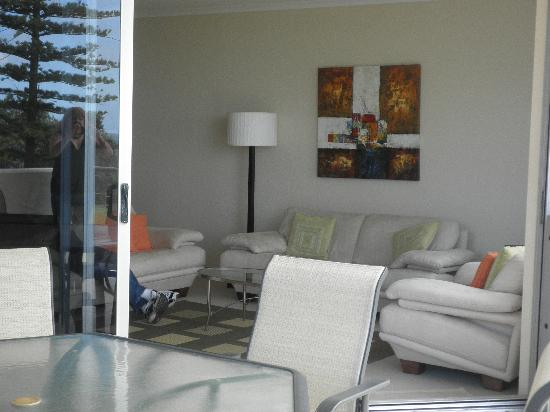Sandcastle Apartments Port Macquarie : The lounge room taken from the balcony