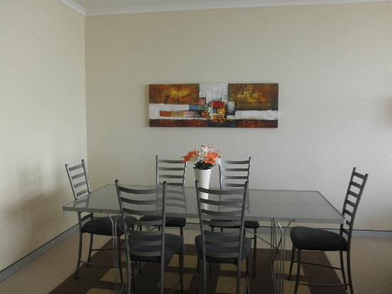 Sandcastle Apartments Port Macquarie : The dining area