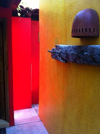 Casa Candiles Inn: That incredible light