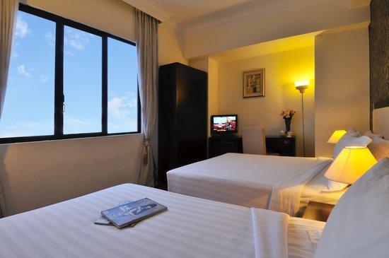 Hotel 34: Family Room