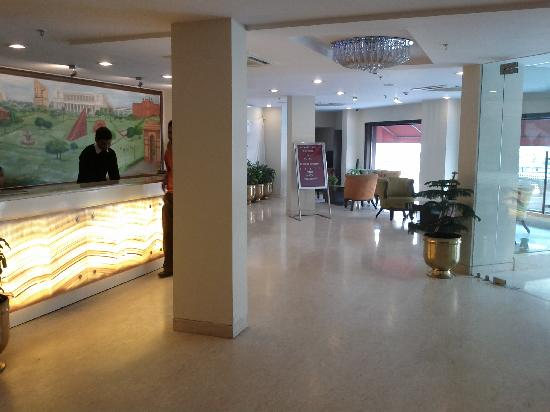 Classic Diplomat - New Delhi: Lobby