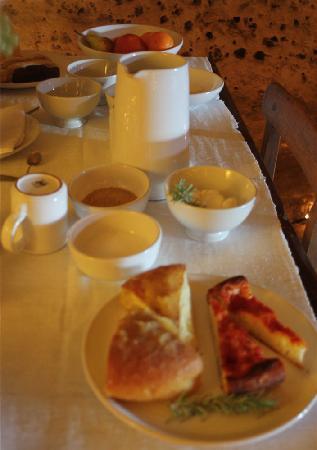 โรงแรม เซกตานติโอ เล กรอตเต เดลลา ซิวิตา: Breakfast