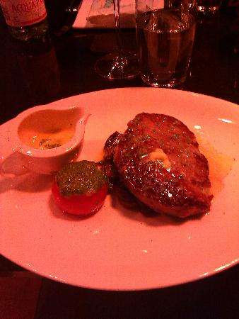 Perfectly cooked ribeye steak with a garlic butter so fab!!