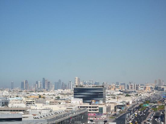 Flora Park Deluxe Hotel Apartments: Sharjah skyline
