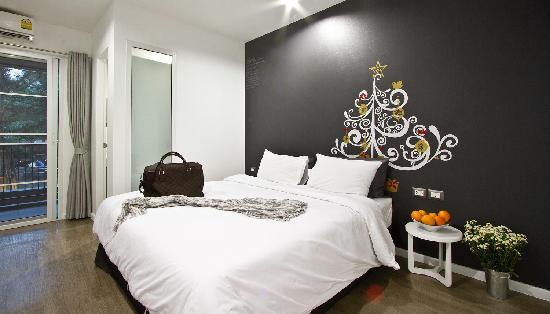 Blu Monkey Bed & Breakfast Phuket: Guest room