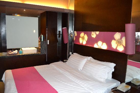 Quanji Hotel Shenzhen Dongmen : Room view 2